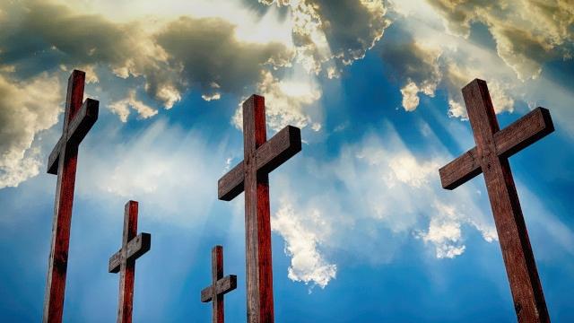 十字架,試練と聖になる