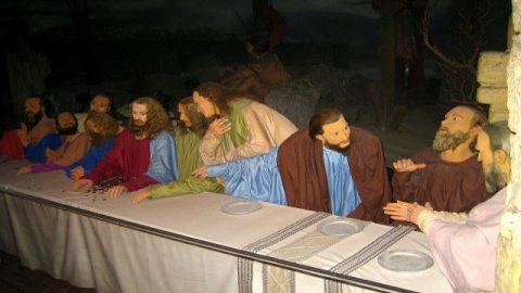 12人の使徒を差し遣わす