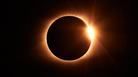 スーパー「皆既日食」がアメリカを横断した――ニネベの町に対するヨナの警告の現代版