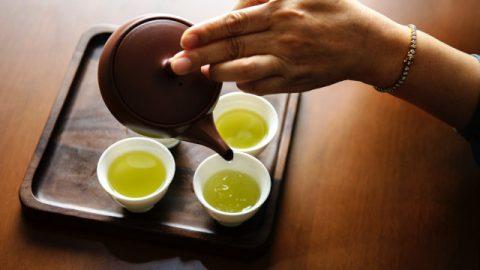 お茶とは沸騰させた水よりもわずかに苦いものにすぎないのでしょうか