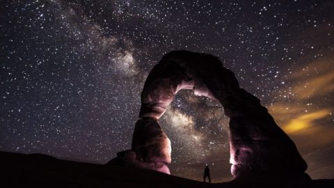 人類はなぜ神を信じるべきか