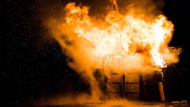 危険かつ恐ろしい火災,御加護