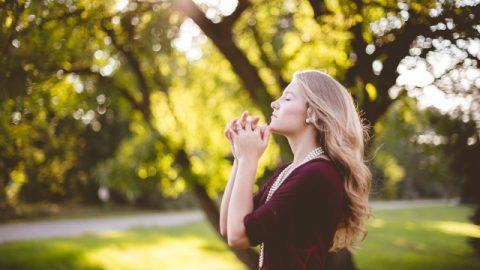なぜ新しいいのちを得るために神を信じる人たちは祈り、集まり、神の言葉を読まなければならないのか。