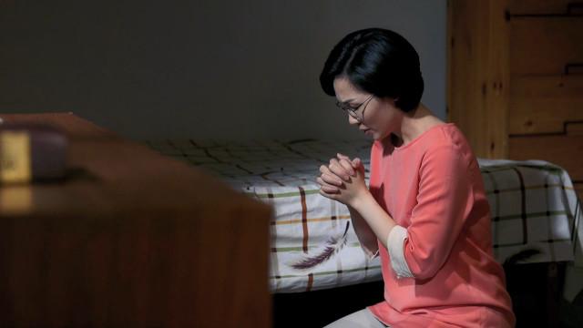 霊的戦い,彼女が家庭で体験した信仰の対立,静かに神に祈り